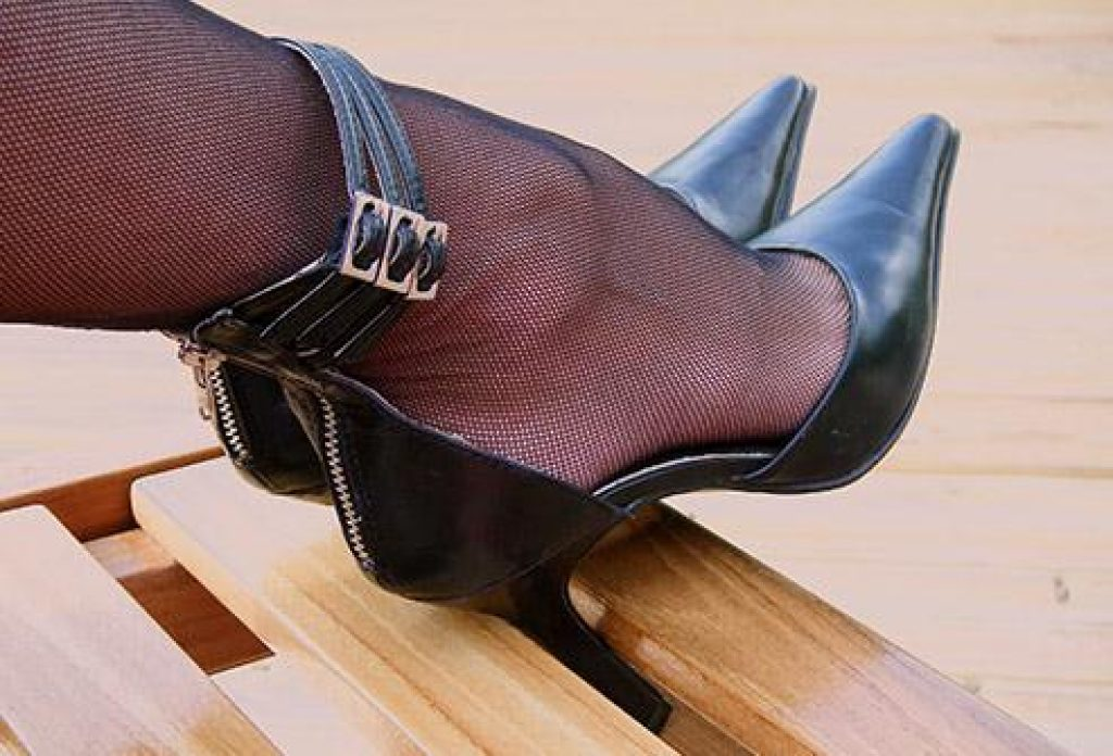 12 Best Shoes for Back Pain| Expert Guide to the Best Shoes for Bad back